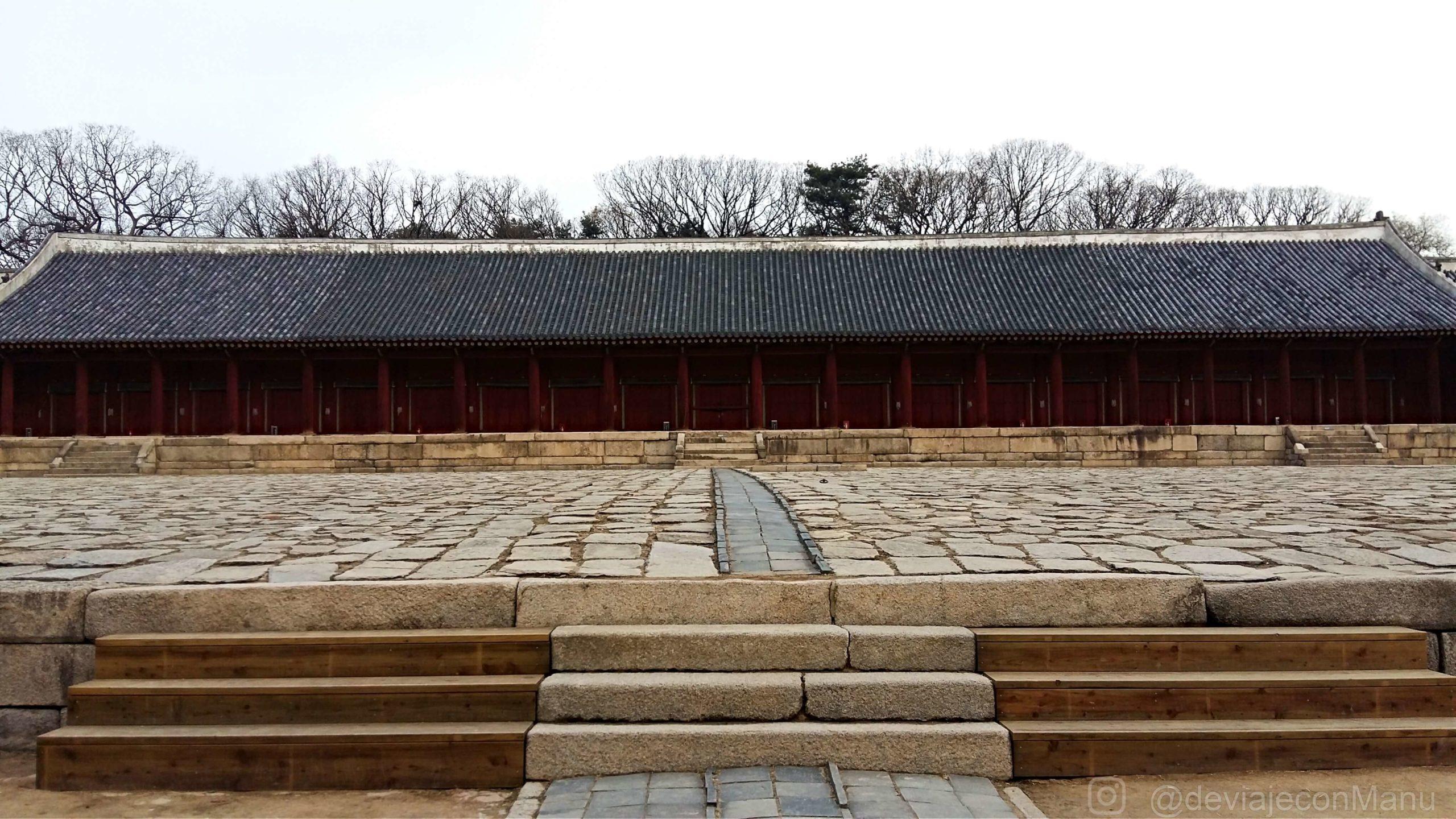 Patio central del santuario