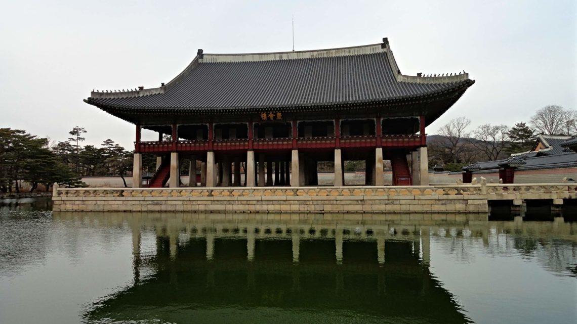 Dos palacios, un santuario y un secreto