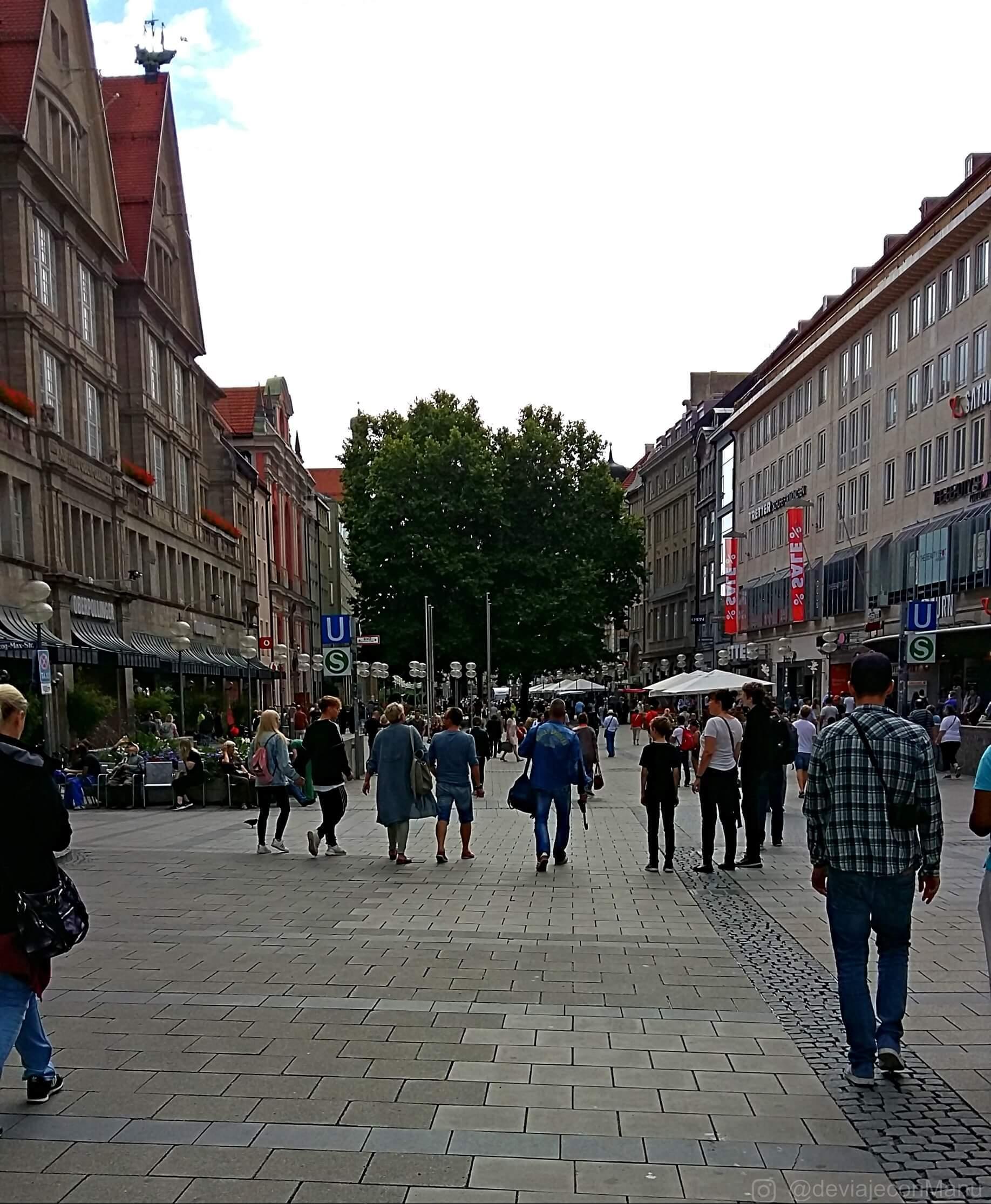 Caminando Karlsplatz